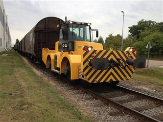 Track railway traction vehicles